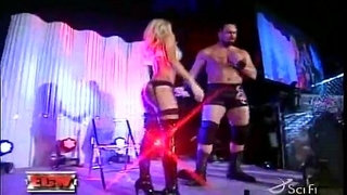 WWE-Diva-Kelly-Kelly-Strips