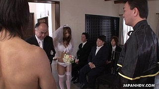 During-her-wedding-she-has-to-suck-on-a-hard-wiener