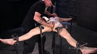 Brunette-in-device-bondage-made-to-squirt