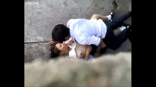 spycam-thai-couple-public-sex