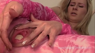Blonde-has-rampant-masturbation-session