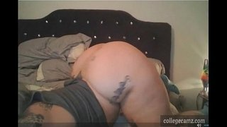 tattood-bbw-with-huge-ass-jiggles-her-assets-while-smoking-on-live-show-on-collegecamz.com