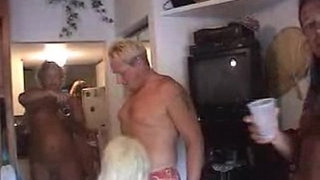 swingers-party-home-homemade
